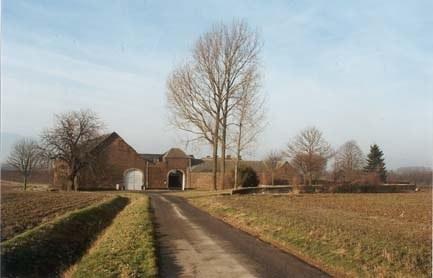 Cortil ferme de Névaucourt